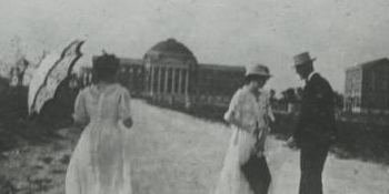 Dallas Hall and women's dormitory in 1917